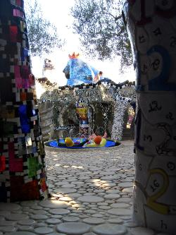 Tarot artisanal le jardin des tarots de niki de saint phalle - Niki de saint phalle jardin des tarots ...